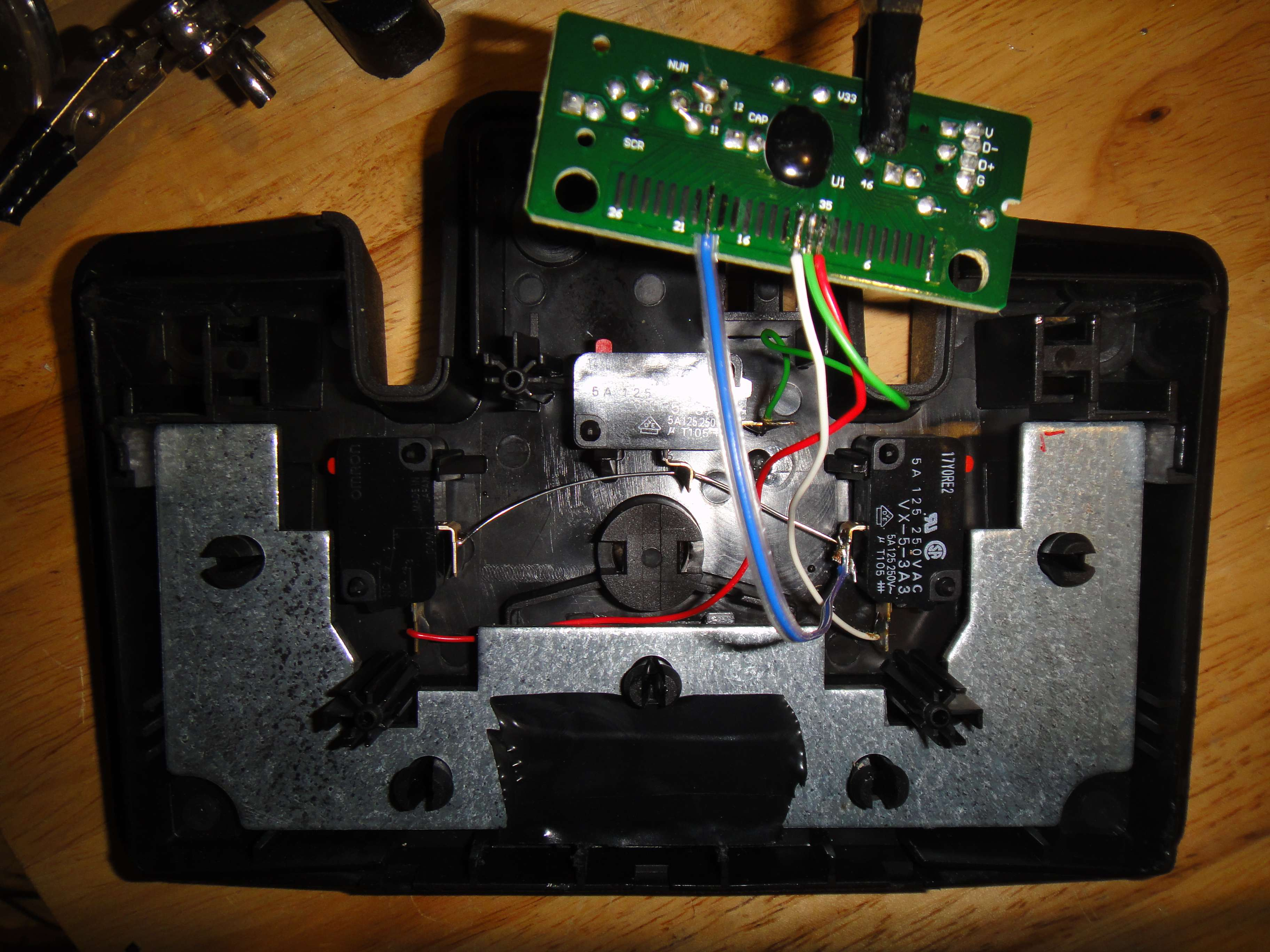 Phillips LFH-0210 dictation pedal turned into custom HID input device (HP KU-0316 keyboard mod)
